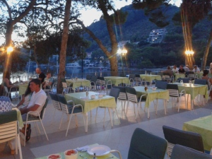 Croatie lastovo yoga iyengar hotel solitudo ubli pasadur restaurant